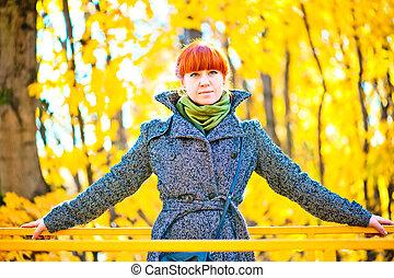 automne, manteau, femme, parc, promenades