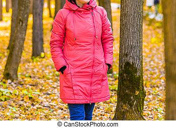 automne, marche, parc, jeune fille