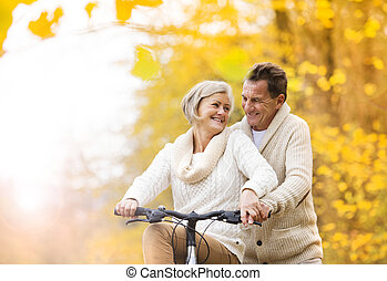 automne, parc, couple, vélo, personne agee