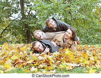 automne, parc, délassant, famille, heureux