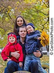 automne, parc, deux, famille, enfants