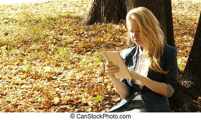 automne, pc, fille souriante, tablette