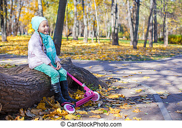 automne, peu, parc, scooter, girl