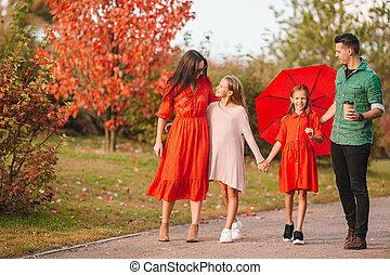 automne, portrait, famille, quatre, heureux