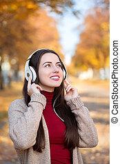 automne, portrait, femme, heureux