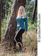 automne, portrait, femme, jeune, forêt