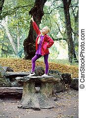 automne, portrait, peu, parc, girl