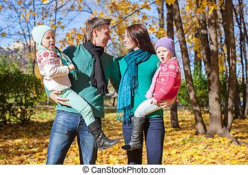 automne, quatre, jour, famille, heureux