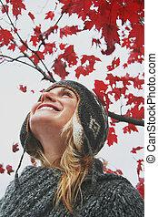 automne, regarder, femme, ciel