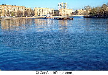 automne, rivière moscow, jour ensoleillé