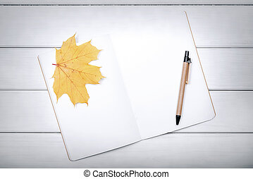automne, stylo, livre, leaves., exercice