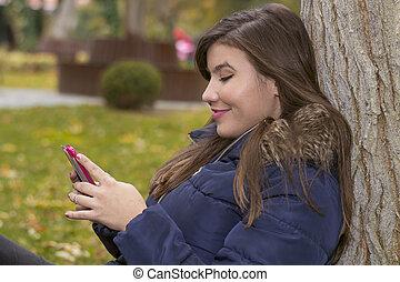 automne, téléphoner femme, parc, jeune
