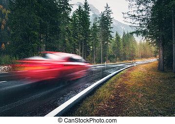 automne, voiture, pluie, mouvement brouillé, route rouge, forêt