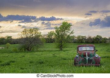 automobile, abbandonato, campo