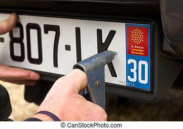 automobile, iscrizione