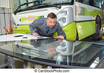 automotive glass installer