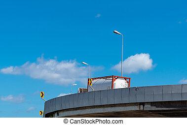 autoroute, élevé, transport, réservoir carburant, cargo., concept., route, camion, essence, camion, road., béton, oil., livraison, fret, tanker., logistics.