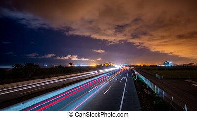 autoroute, trafic, crépuscule