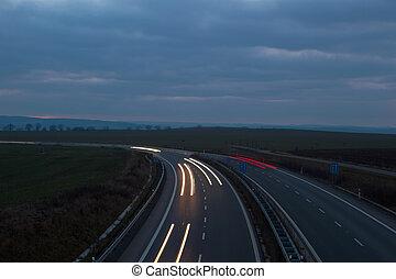 auto's, verhuizing, vasten, op, een, nacht, snelweg