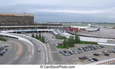 auto's, verlof, en, komen, om te, terminal, f, op, sheremetyevo, luchthaven