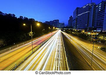 autostrada, luce trascina