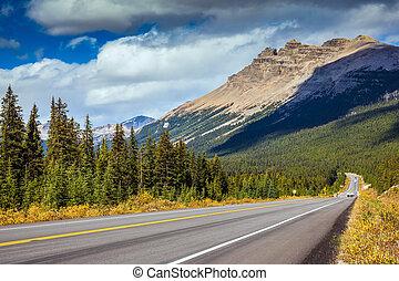 autostrada, montagne
