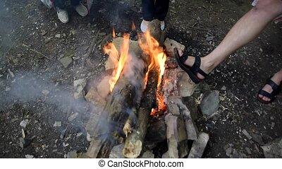 autour de, brûlé, brûler, bois brûler, fire., pieds, chaleur