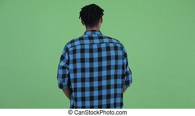 autour de, pensée, jeune regarder, hipster, africaine, vue, arrière, homme
