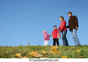 autumn family of four and CLEAR sky