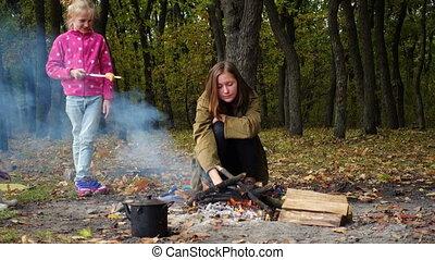 autumn family picnic