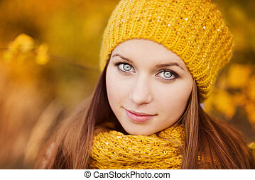 Autumn girl - Portrait of beautiful girl with scarf and hat...