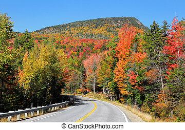 Autumn high way - Scenic Kancamagus high way passes through ...