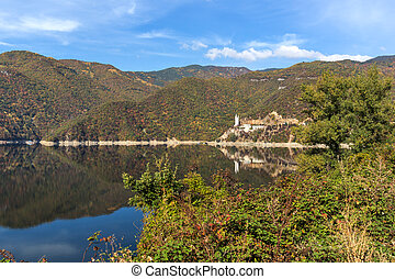 Autumn ladscape of The Vacha (Antonivanovtsi) Reservoir, Rhodope Mountains, Plovdiv Region, Bulgaria