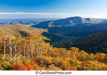 Shenandoah National park - Autumn landscape with mountains...