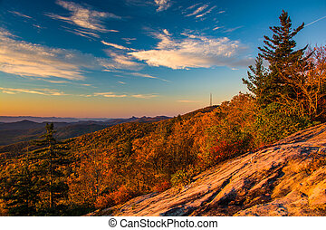 Autumn morning view from Beacon Heights, along the Blue Ridge Parkway, North Carolina.