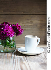 Autumn time: coffee and flowers
