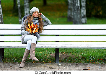 autumn woman portret in park