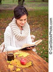autunno, tavola, ragazza, libro, lettura