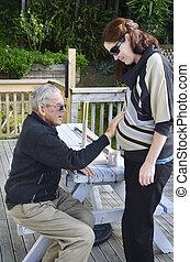 avô, segura, seu, grávida, neta, abdome