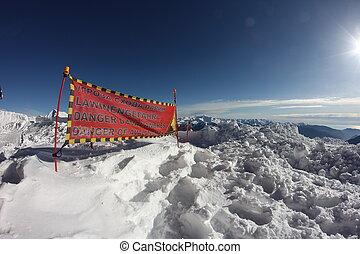 avalanche, sinal perigo, em, neve