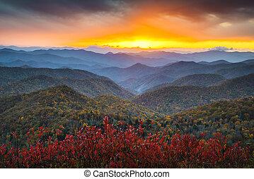 avenida cume azul, outono, montanhas appalachian, pôr do sol, ocidental, nc, panorâmico, paisagem, destino férias