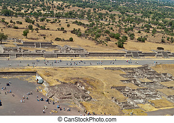 Avenue of the Dead in the city of Teotihuacan in Mexico