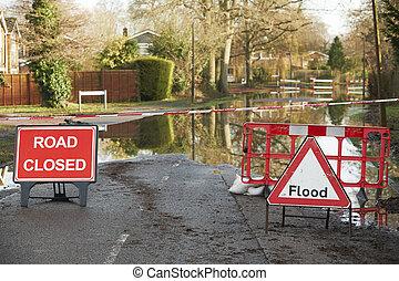 avertissements, signes, sur, inondé, route
