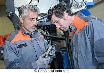 aviões, mecânico, e, colega trabalho, verificar, um, objeto...
