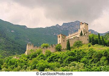Avio Castello di Sabbionara 05