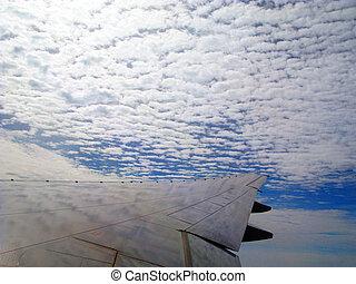 avion, élevé, dans nuages