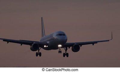 avion réaction, piste, atterrissage, approchant