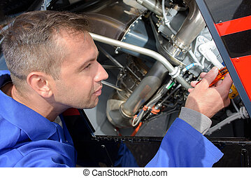 avionics equipment mechanic