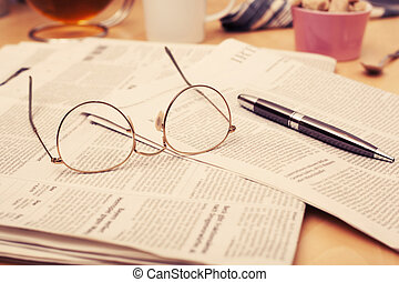 avis, glas