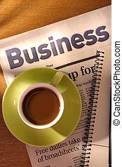 avis, skrivebord, notesbog, kaffe